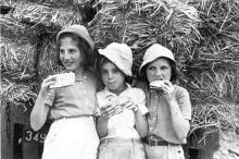 girls with matza